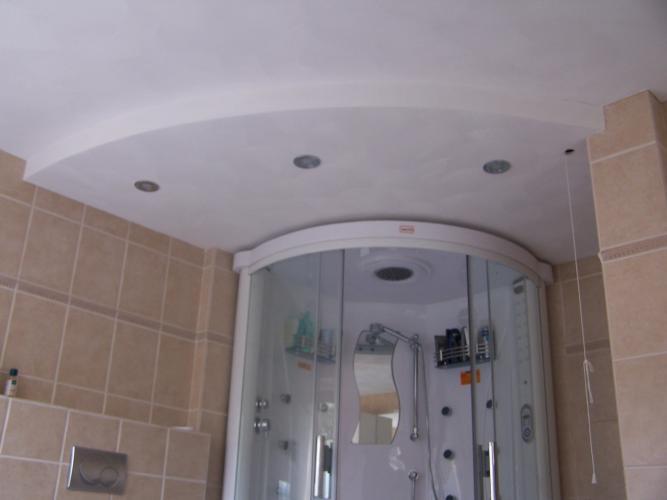 Behang Plafond Badkamer : Plafond badkamer behangen stucwerk en behangen plafond