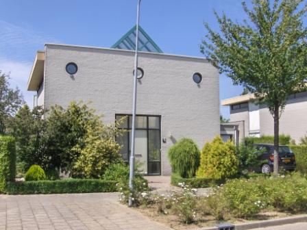 Schilder gezocht elst schilderen buitenkant huis for Schilder en behanger gezocht