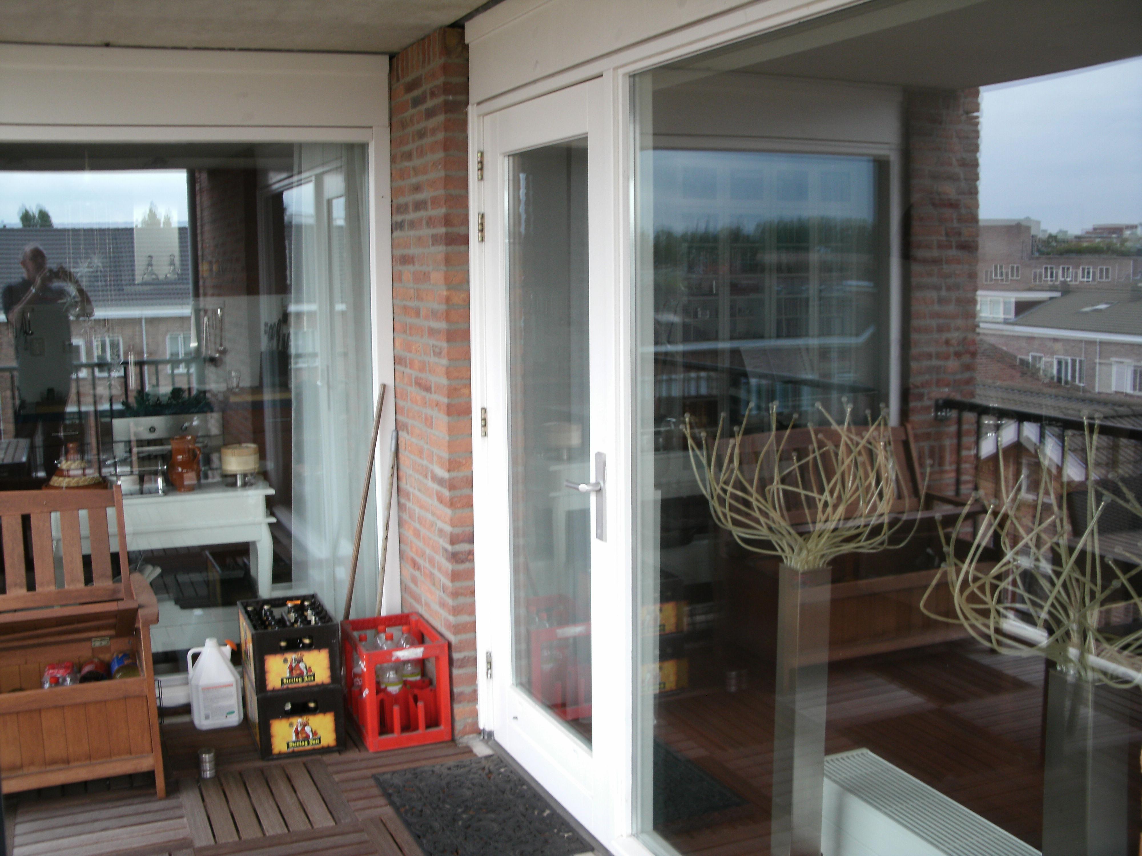 Schilder gezocht spijkenisse kozijnen en deur op balkon for Schilder en behanger gezocht