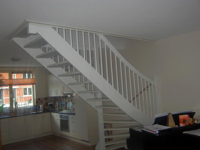 Schilder gezocht den haag twee binnentrappen verven - Binnen trap ...